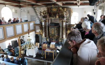 die vollbesetzte Marlesreuther Kirche